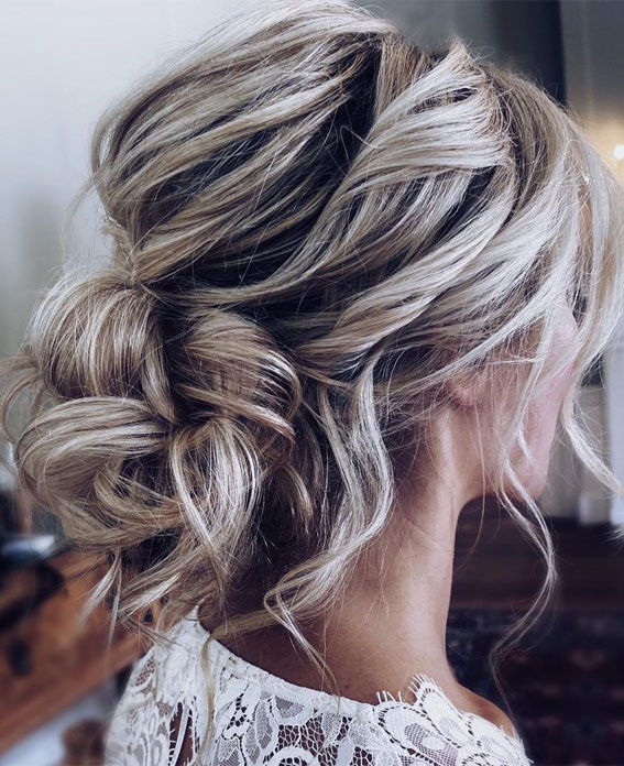 32 Classy, Pretty & Modern Messy Hair Looks : Loose, romantic updo hairstyle