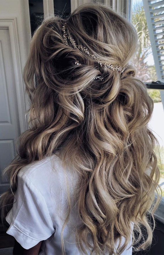 Half Up Half Down Hairstyles For Any Occasion : Romantic Loose Curl & Textured half ups