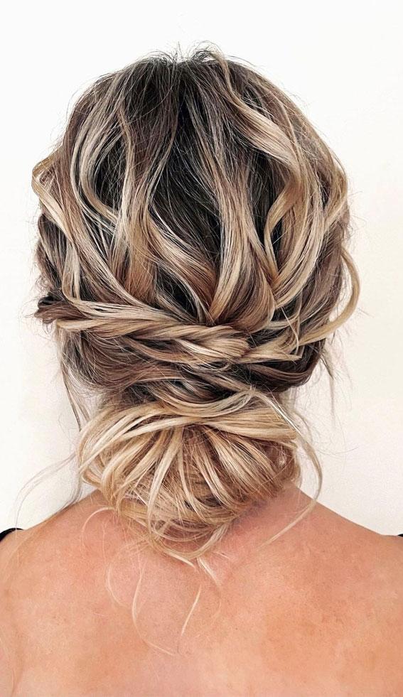 32 Classy, Pretty & Modern Messy Hair Looks : Textured Undone Updo