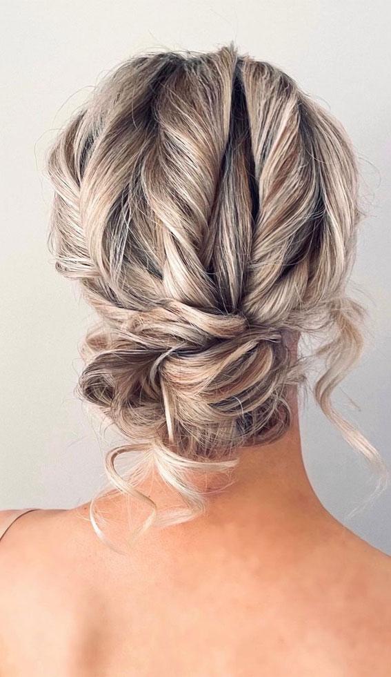 32 Classy, Pretty & Modern Messy Hair Looks : Pretty & elegant boho up style