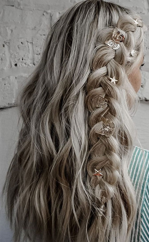 24+ Braid Hairstyles That Really Jazz Up Your Hair : Side Chunky Braid Hair Down