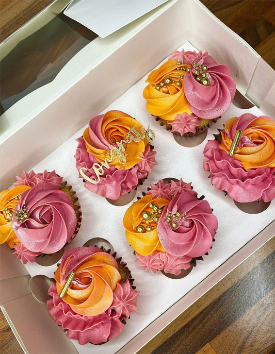 35+ Cute Buttercream Cupcake Decorating Ideas : Pink and Yellow Cupcakes