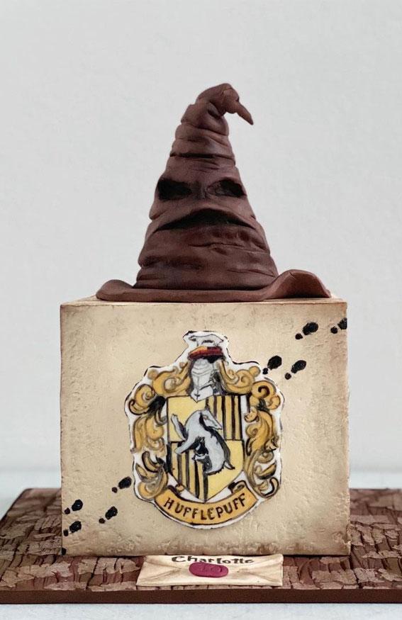 30+ Cute Harry Potter Cake Designs : Square Hufflepuff Harry Potter Cake