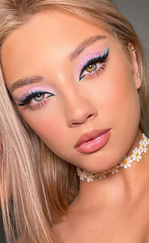 35 Cool Makeup Looks That'll Blow Your Mind : Lilac and Green Graphic Lines