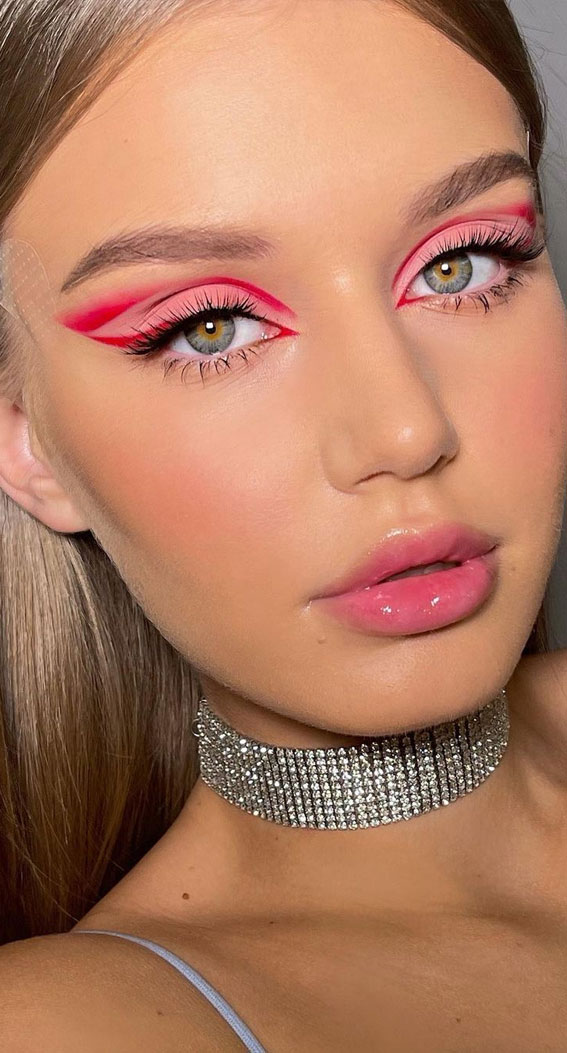 35 Cool Makeup Looks That'll Blow Your Mind : Pink and Red Look