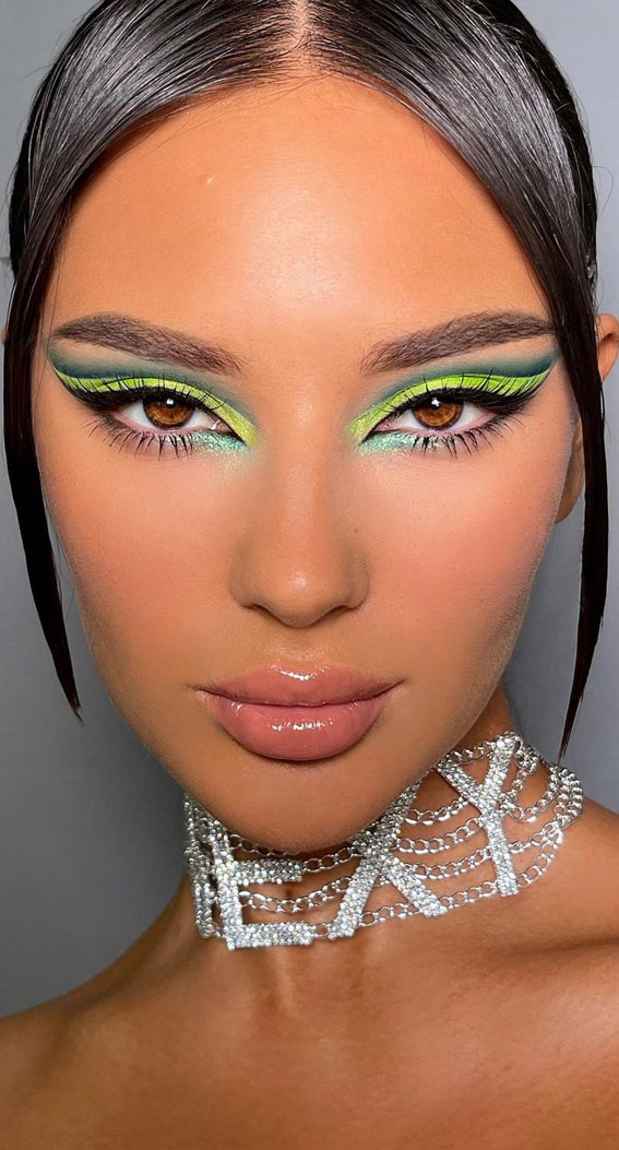 35 Cool Makeup Looks That'll Blow Your Mind : Neon Green and Green Eyeshadow