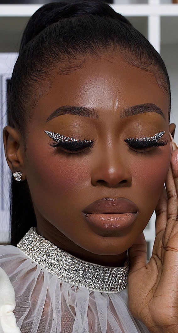 35 Cool Makeup Looks That'll Blow Your Mind : Diamond Eye Makeup Look