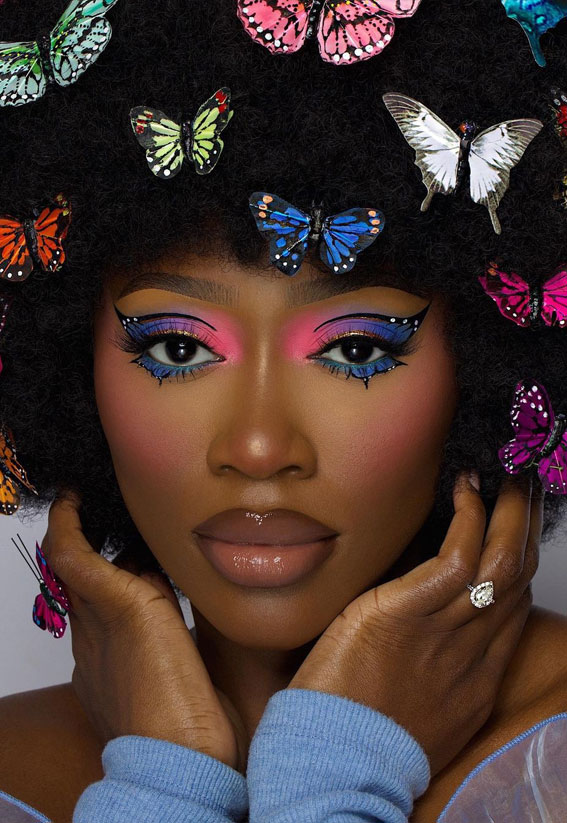 35 Cool Makeup Looks That'll Blow Your Mind : Blue and Neon Pink Eyeshadow