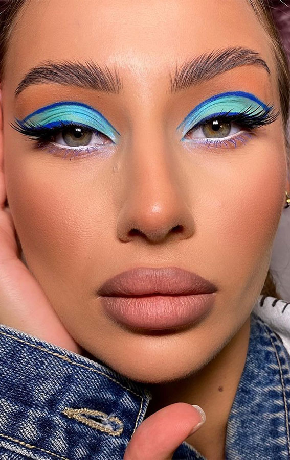35 Cool Makeup Looks That'll Blow Your Mind : Blue and Turquoise Eyeshadow