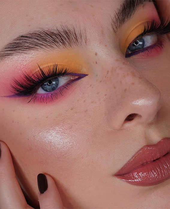 35 Cool Makeup Looks That'll Blow Your Mind : Pink and Yellow Eyeshadow