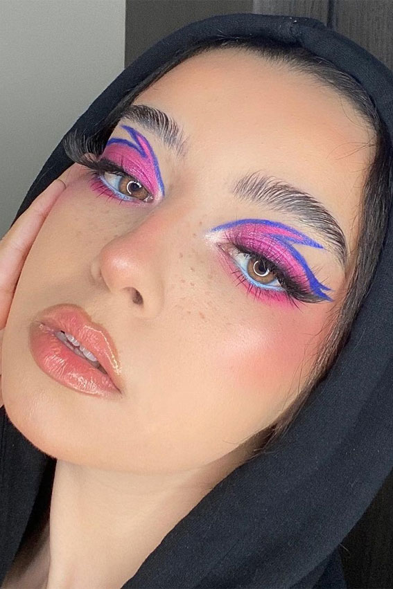 35 Cool Makeup Looks That'll Blow Your Mind : Pink and Blue Flame Eye Makeup