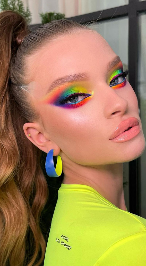 35 Cool Makeup Looks That'll Blow Your Mind : Neon Rainbow