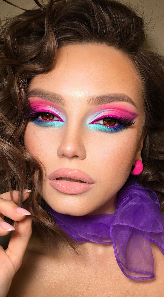35 Cool Makeup Looks That'll Blow Your Mind : Neon Turquoise & Pink