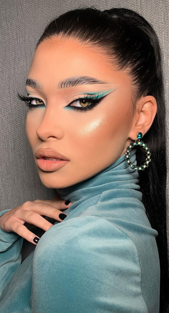 35 Cool Makeup Looks That'll Blow Your Mind : Green and Nude Look