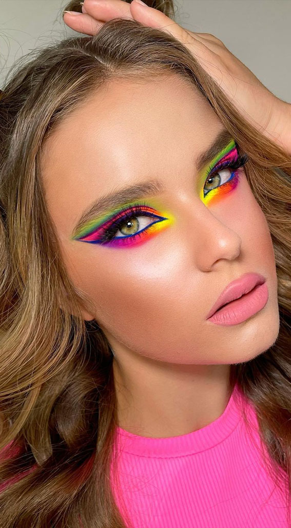 35 Cool Makeup Looks That'll Blow Your Mind : Rainbow Makeup Look