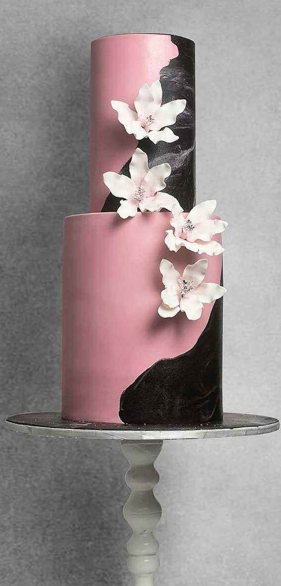34 Creative Wedding Cakes That Are So Pretty : Black and Pink Wedding Cake
