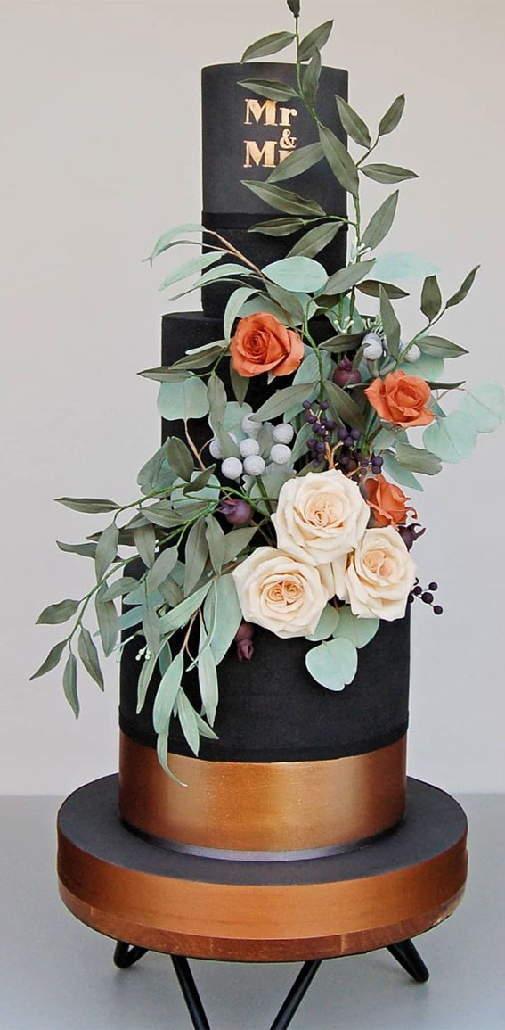 34 Creative Wedding Cakes That Are So Pretty : Black and Copper Wedding Cake