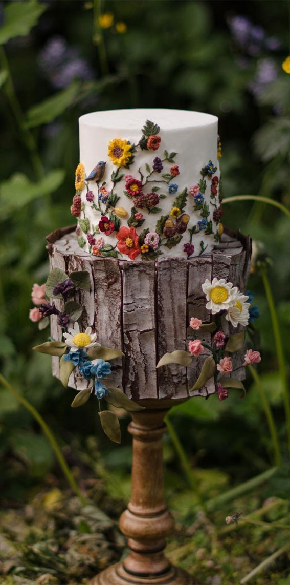 34 Creative Wedding Cakes That Are So Pretty : Woodland Rustic Cake