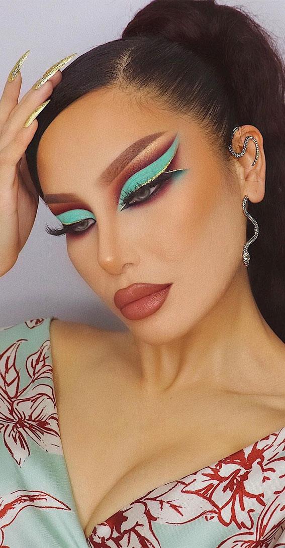 makeup looks creative, makeup looks 2021, cut crease makeup, eyeshadow look