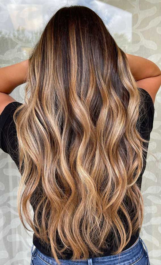 35 Best Fall 2021 Hair Color Trends : Hot Toffee and Sparkling Amber Brown Hair Idea