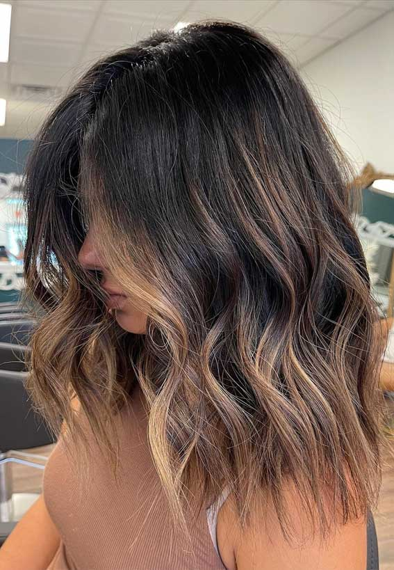 35 Best Fall 2021 Hair Color Trends : Iced latte balayage
