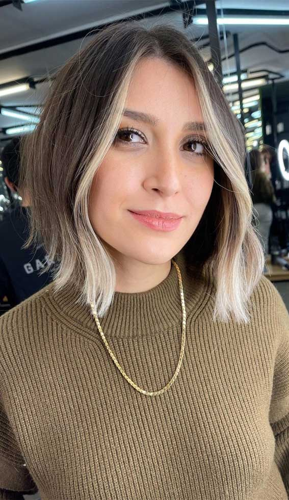 35 Best Fall 2021 Hair Color Trends : Dirty Blonde with Vanilla Blonde Face-Framing