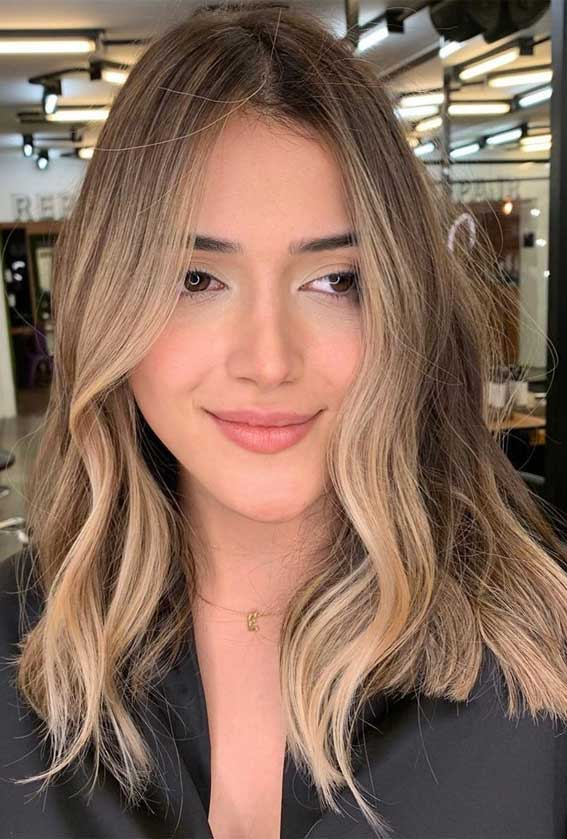 35 Best Fall 2021 Hair Color Trends : Dark hair blends to blonde