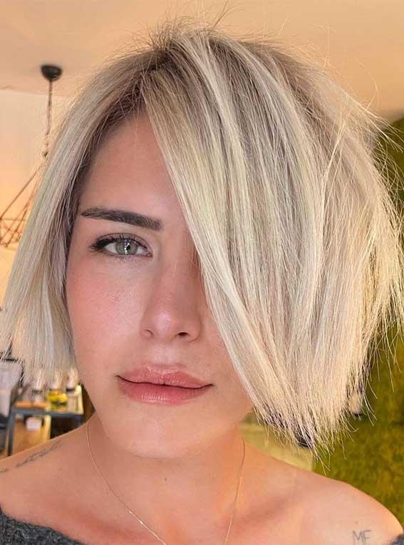 35 Best Fall 2021 Hair Color Trends : Buttery Blonde Balayage Bob Hairstyle