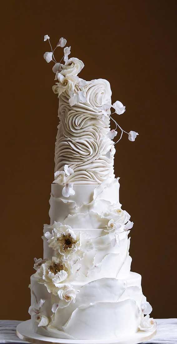 40 Pretty & New Wedding Cake Trends 2021 : Soft Ruffles