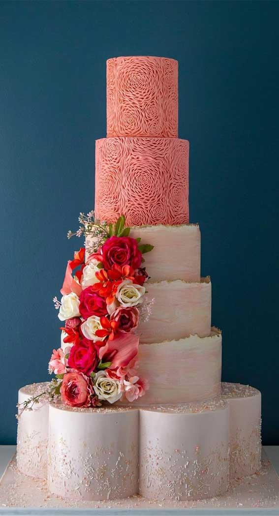 40 Pretty & New Wedding Cake Trends 2021 : Peach and blush tones