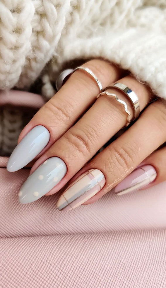 The 42 Nail Trends to Wear for Winter 2021 : Soft Blue and Pink Tartan Nails