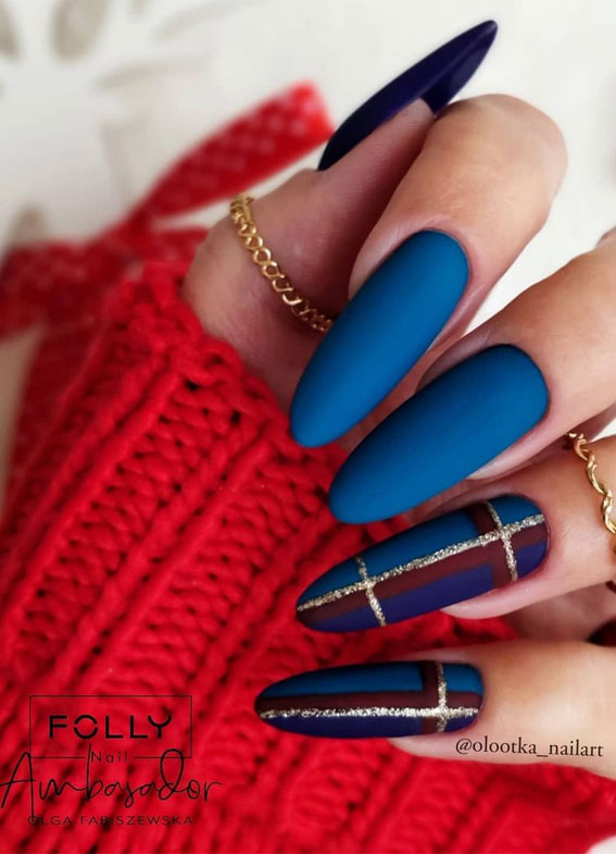 The 42 Nail Trends to Wear for Winter 2021 : Matte Blue and Tartan Nails