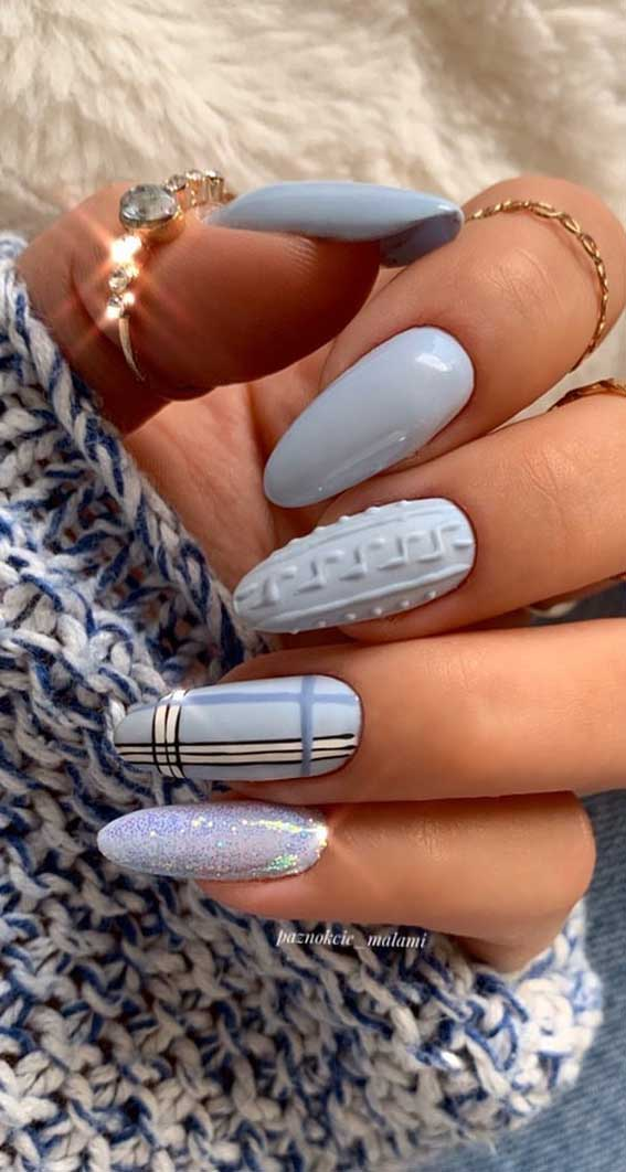The 42 Nail Trends to Wear for Winter 2021 : Blue Grey Sweater & Tartan Nails