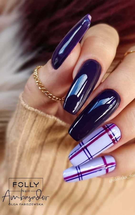 The 42 Nail Trends to Wear for Winter 2021 : Purple and Tartan Nails