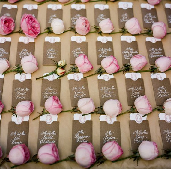 Creative Wedding Place Card Ideas: Roses Escort Cards - Fab Mood