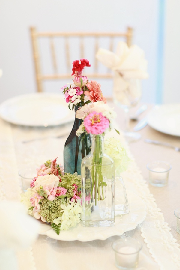 Simple spring centerpieces fab mood wedding colours