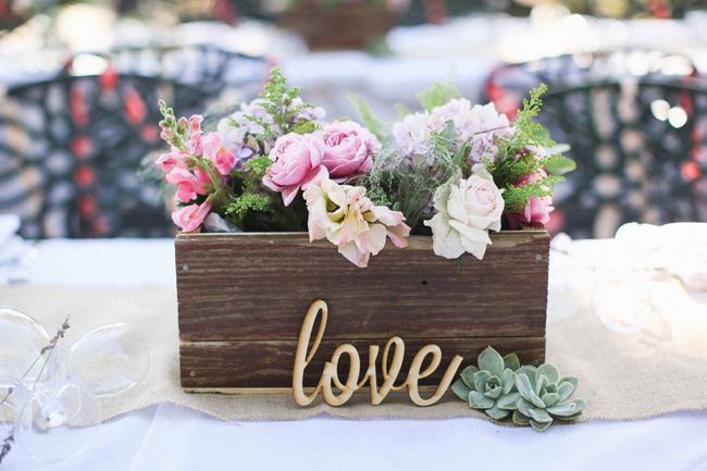 Flower Arrangments Amp Love Letter Fab Mood Wedding