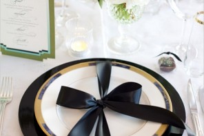 wedding reception ideas,black gold wedding table ideas,gold black wedding table setting,gold black wedding table decoration,black gold wedding reception ideas,gold black wedding reception details,elegant black gold wedding table ideas