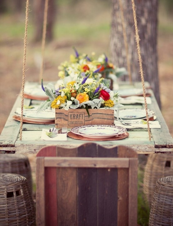 19 Gorgeous Outdoor + Rustic Wedding Table Decoration Ideas