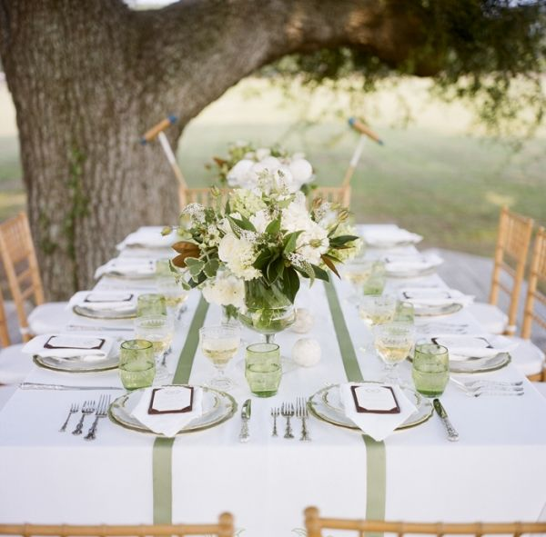 Preppy Green And White Tablescape Fab Mood Wedding
