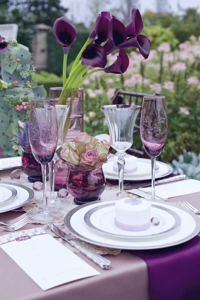 Purple Table Setting Ideas Stunning Wedding Centerpiece Ideas With Chic Purple Hue This Color Combination Can Transfer Home Replace The Table Cloth With White The Purple Purple Wedding Table Decoratio Find this Pin and more on The
