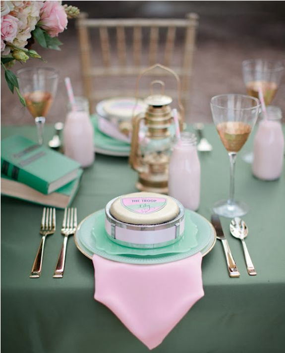 Pink & Green wedding table setting - Fab Mood | Wedding Colours ...
