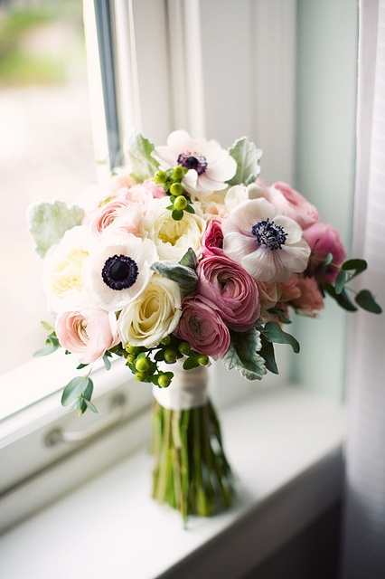 Anemone bouquet,wedding bouquet,bouquets