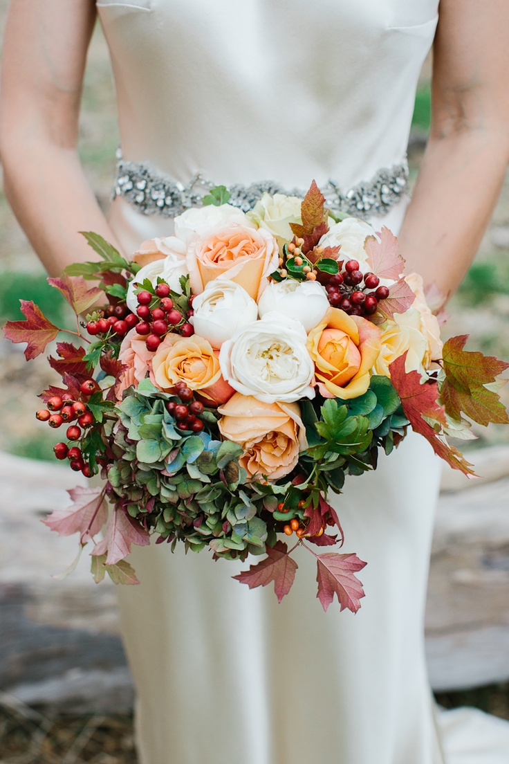 Seasonal autumn wedding flowers ideas for Best flowers for wedding bouquet