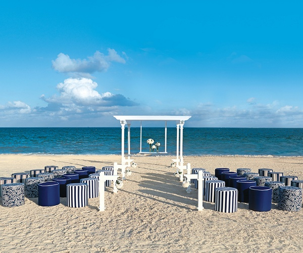 Night Beach Wedding Ceremony Ideas: Beach Wedding Ceremony Decoration Idea