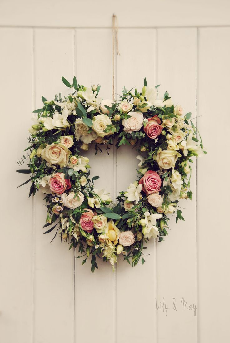 Rustic heart flower door decoration floral garland flower door wedding decorationwedding details rustic wedding details wedding reception details junglespirit Gallery