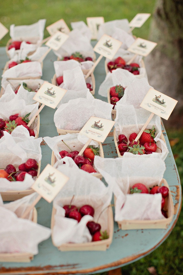 Berries Wedding Favors Fab Mood Wedding Colours Wedding Themes