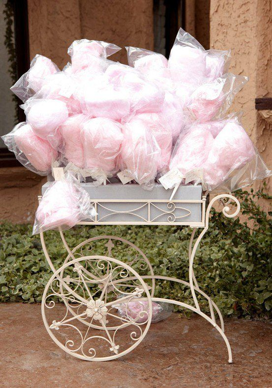 Cotton Candy Wedding Favors 553 x 788