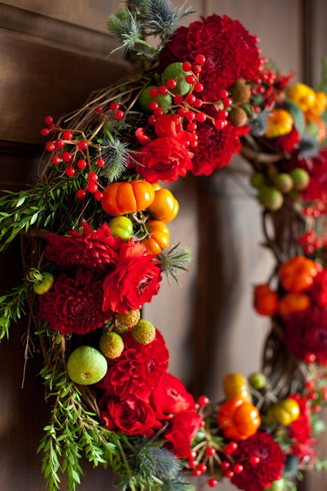 fall wedding ideas with pumpkins,autumn wedding colors,Fall wreath with pumpkin, red dahlias, blue thistle, red berries