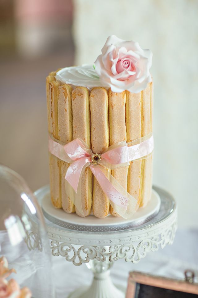 pretty wedding cakes ideas,cute wedding cake,wedding cakes,sweet cake,darling cakes,beautiful wedding cakes